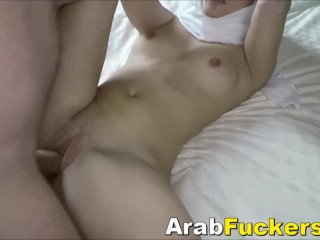 Desperate Arabian Slut Pays For Motel Room