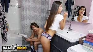Bathroom me hui jmke chudai