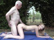 Old uncle ne ki chudai