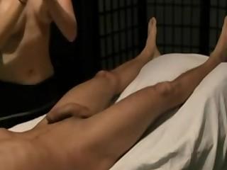 Desi Massage Dete Hue Land Ka Pani Nikal