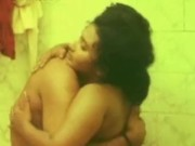 Mallu aunty Bathroom M Kiss Ki